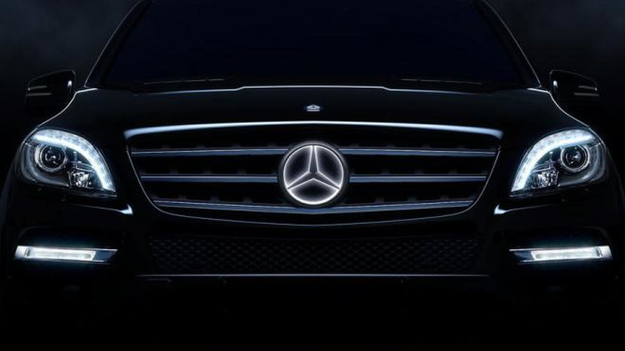 Mercedes-Benz to offer illuminated emblem star [video]