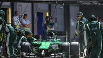Kamui Kobayashi (JPN), Caterham F1 Team during pitstop, 06.07.2014, British Grand Prix, Silverstone / XPB