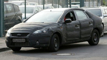 New Generation Ford Mondeo Spy Photos