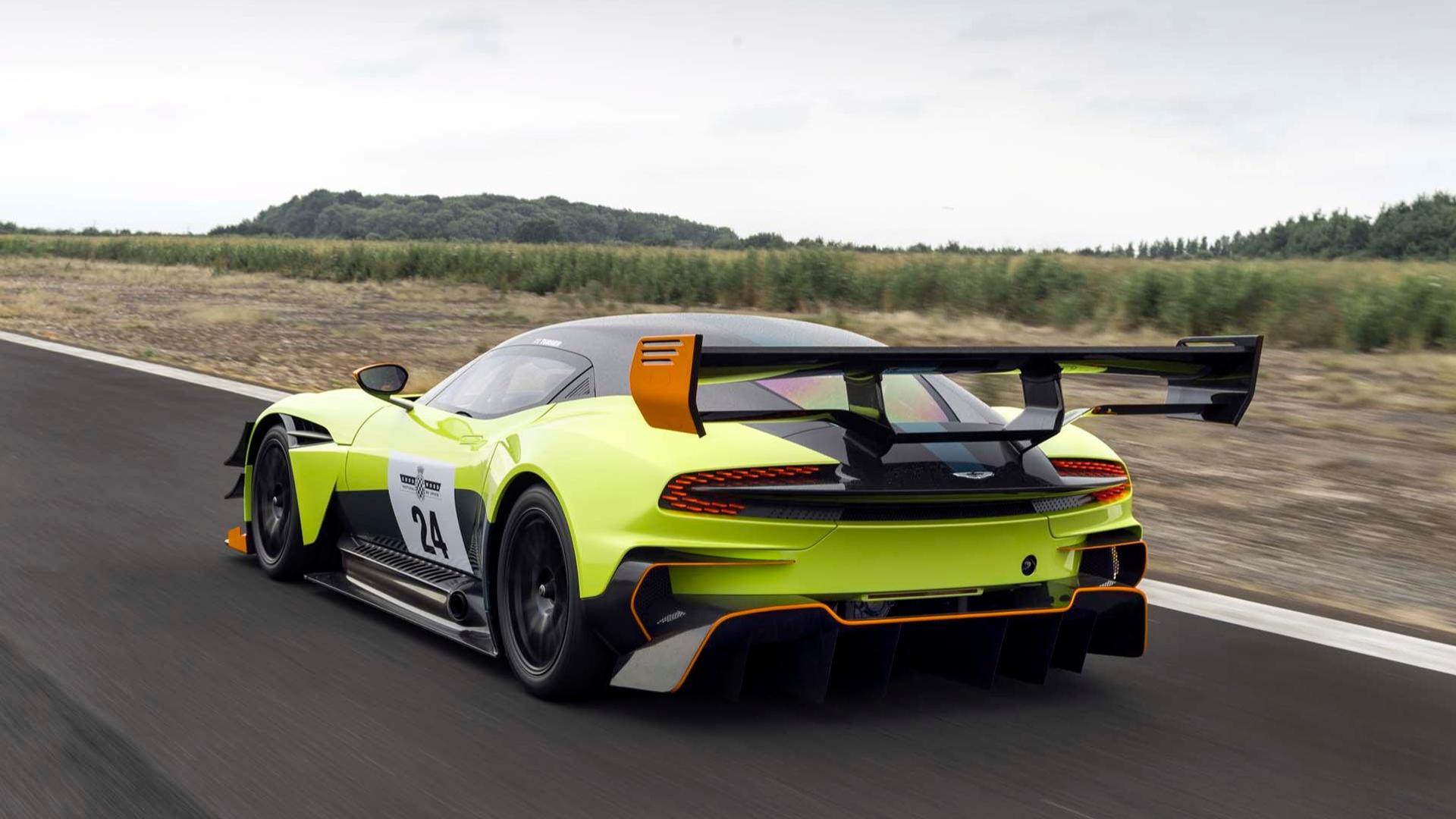 Aston Martin Vulcan Akhirnya Akan Turun Di Balapan Resmi