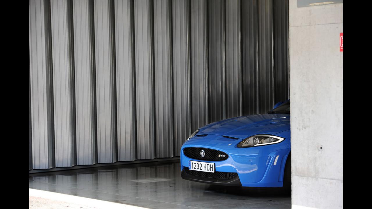Jaguar, in pista con le R e la XJ Supercharged Supersport