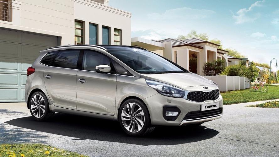Kia Carens facelift revealed in Europe