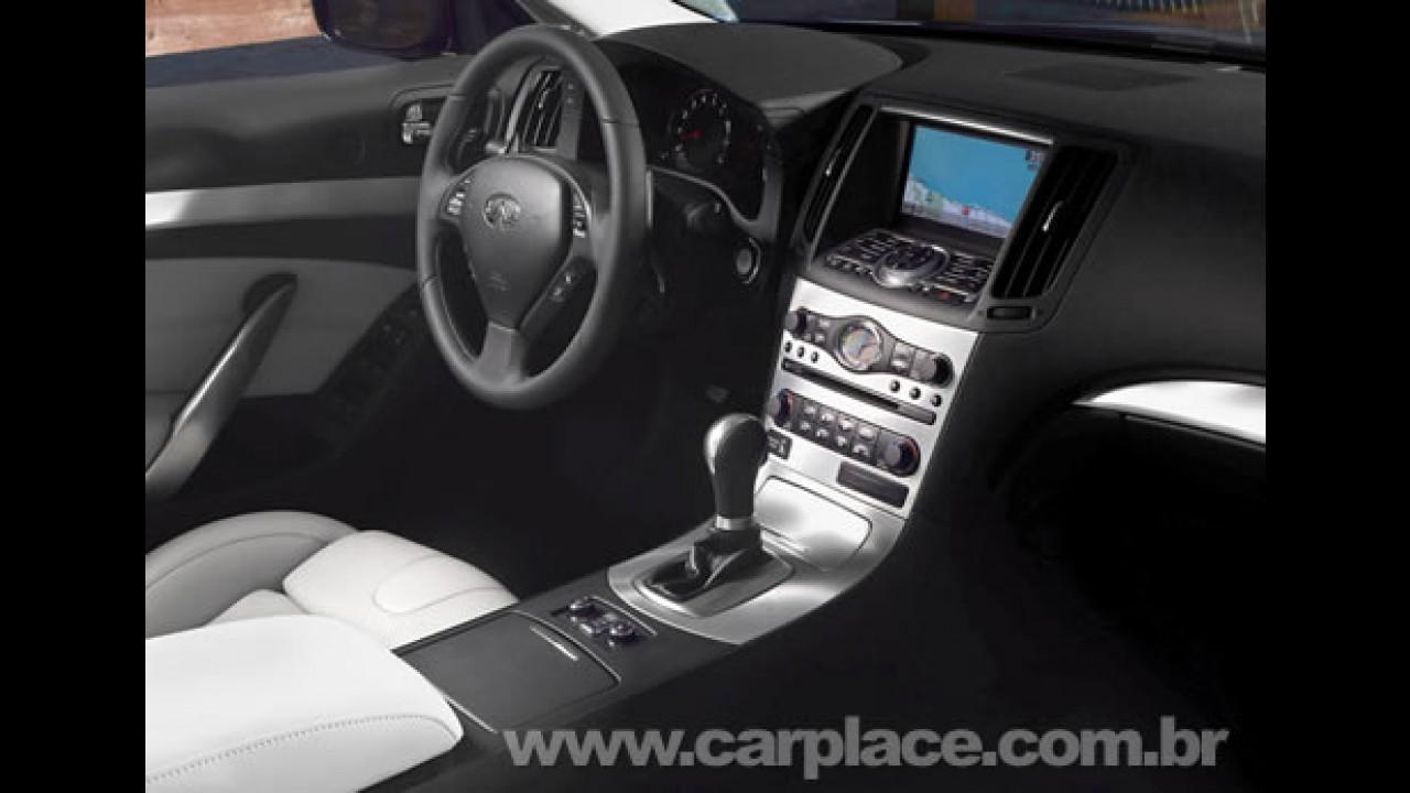 Infiniti G37 Conversível 2009 tem motor V6 3.7 de 330 cavalos da Nissan