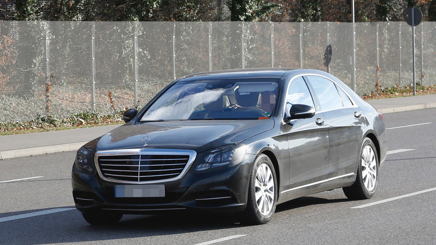 2017 Mercedes S-Class facelift spied for the first time