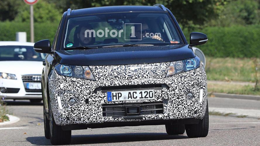 Suzuki Vitara yeni ön ızgarasıyla objektiflere takıldı