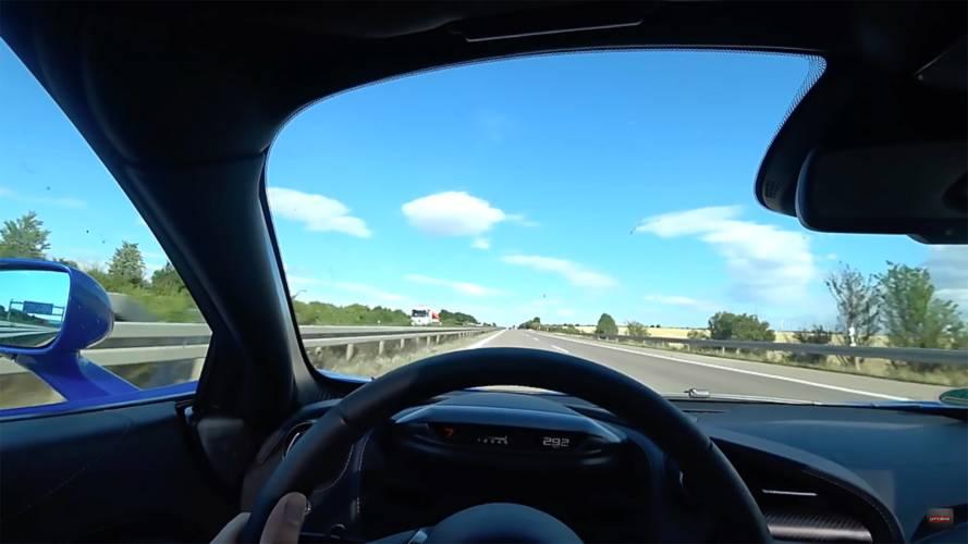 McLaren 720S'in 325 km/s hıza çıkışını izleyin