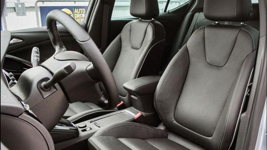 Opel Astra Sports Tourer: sedili, motore e cambio valgono metà dell'auto