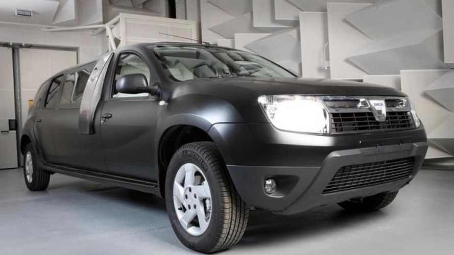 Dacia Duster turned into a limo [video]