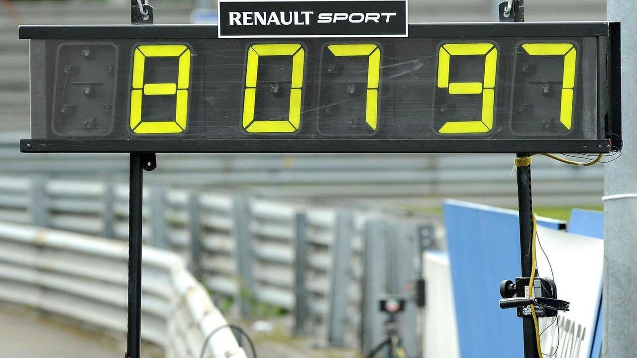 Megane RS Trophy set Nurburgring record 17.06.2011