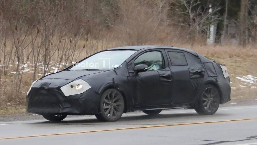 Flagra - Novo Toyota Corolla 2020 aparece em testes