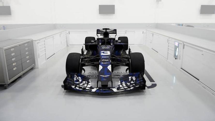 Red Bull launch 2018 auto , including halo protection device