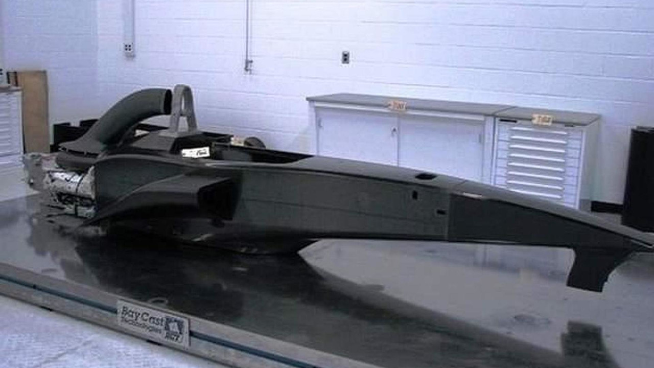 USF1 unraced carbon fibre chassis mock-up, 630, 17.06.2010