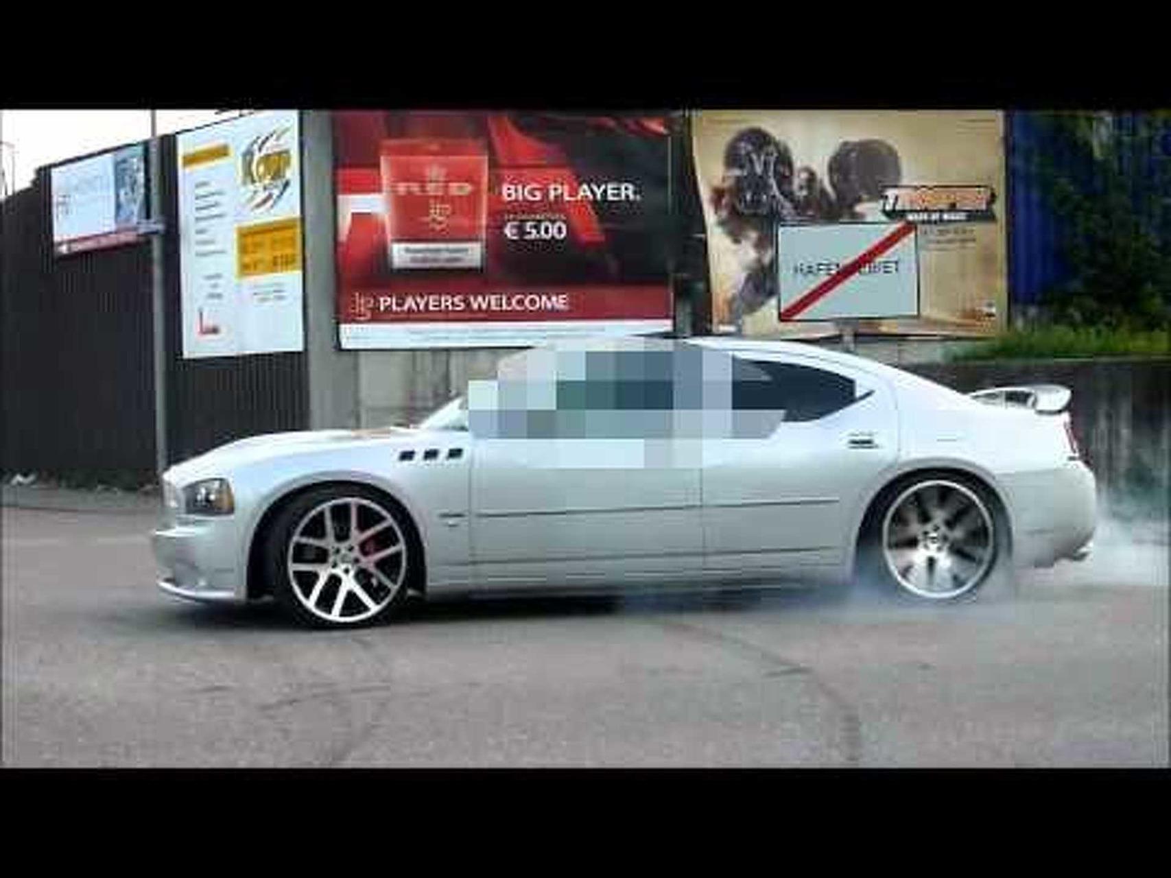 2007 Dodge Charger SRT8 6.1l burnout