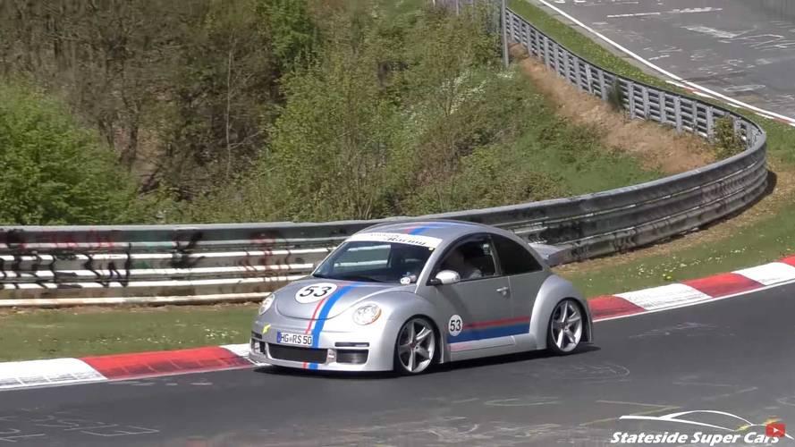 Egy elképesztően ritka VW Beetle RSi V6 is felbukkant a Nürburgringen