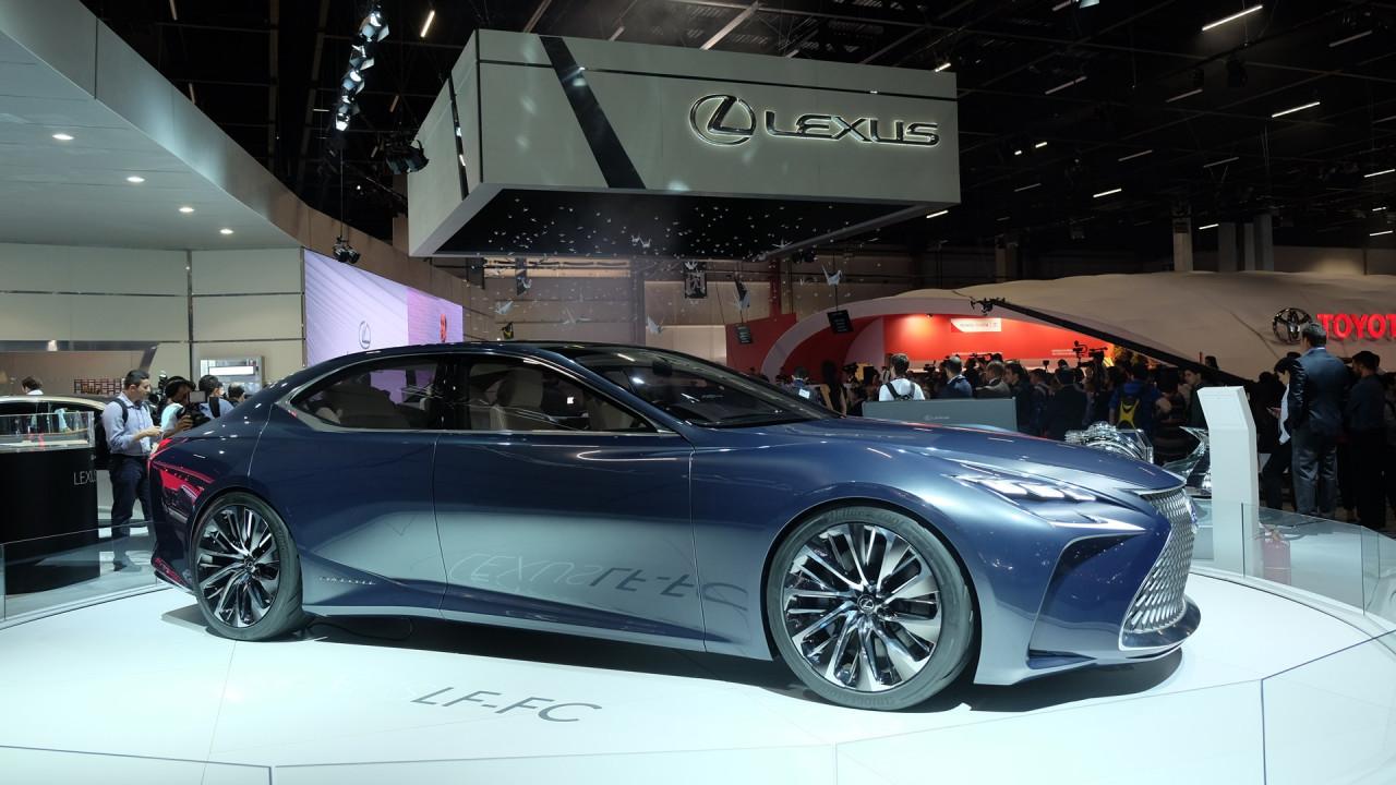 Salão do Automóvel: conceitos híbridos mostram ambições da Lexus no Brasil