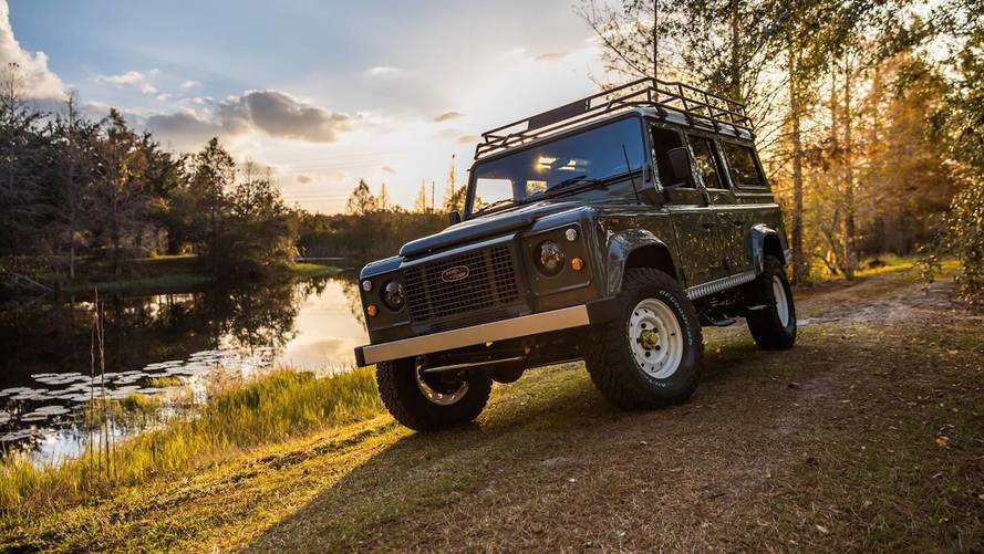 East Coast Defender Goes Old School With Project Tuki