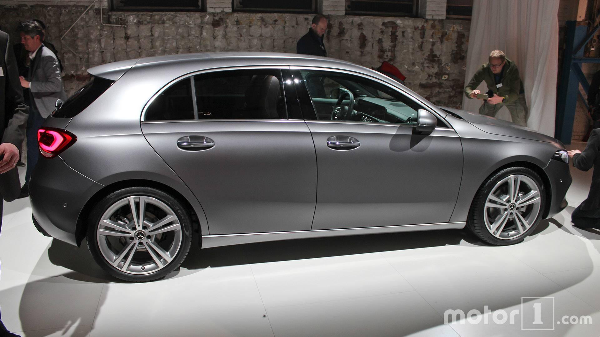 Mercedes benz a klasse sedan l pag 2 for Mercedes benz ticker symbol