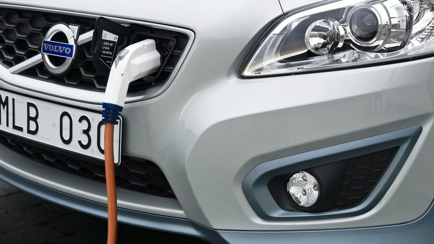 Lithium-air batteries set to make EVs useful - report