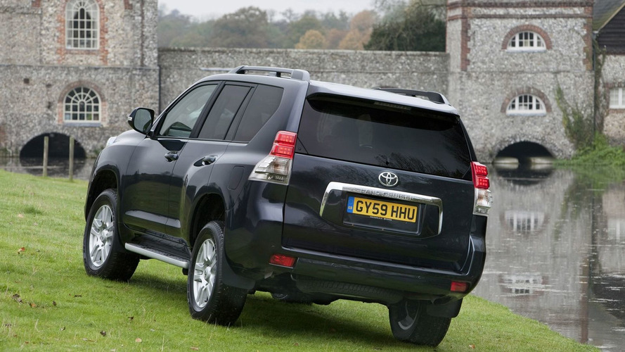2010 Toyota Land Cruiser Launched in UK - Pricing Announced [Video]