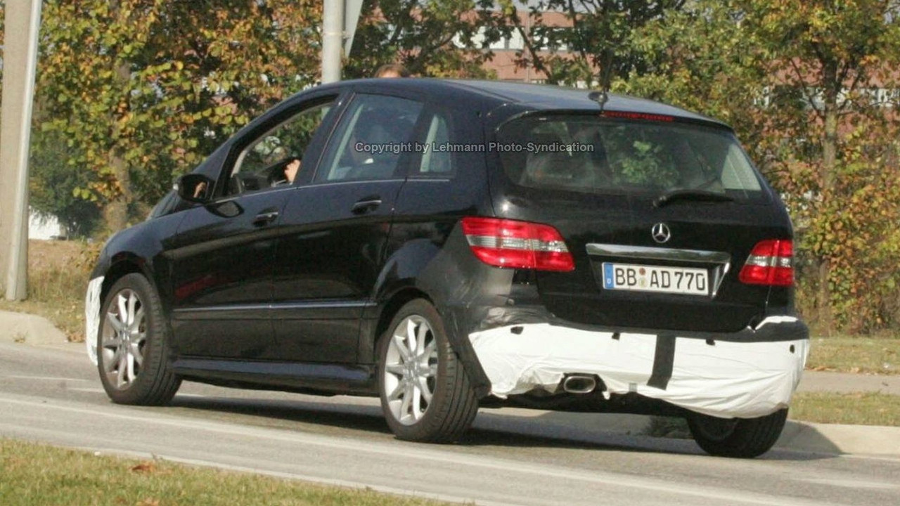 Mercedes B-Class Facelift Spy Photos