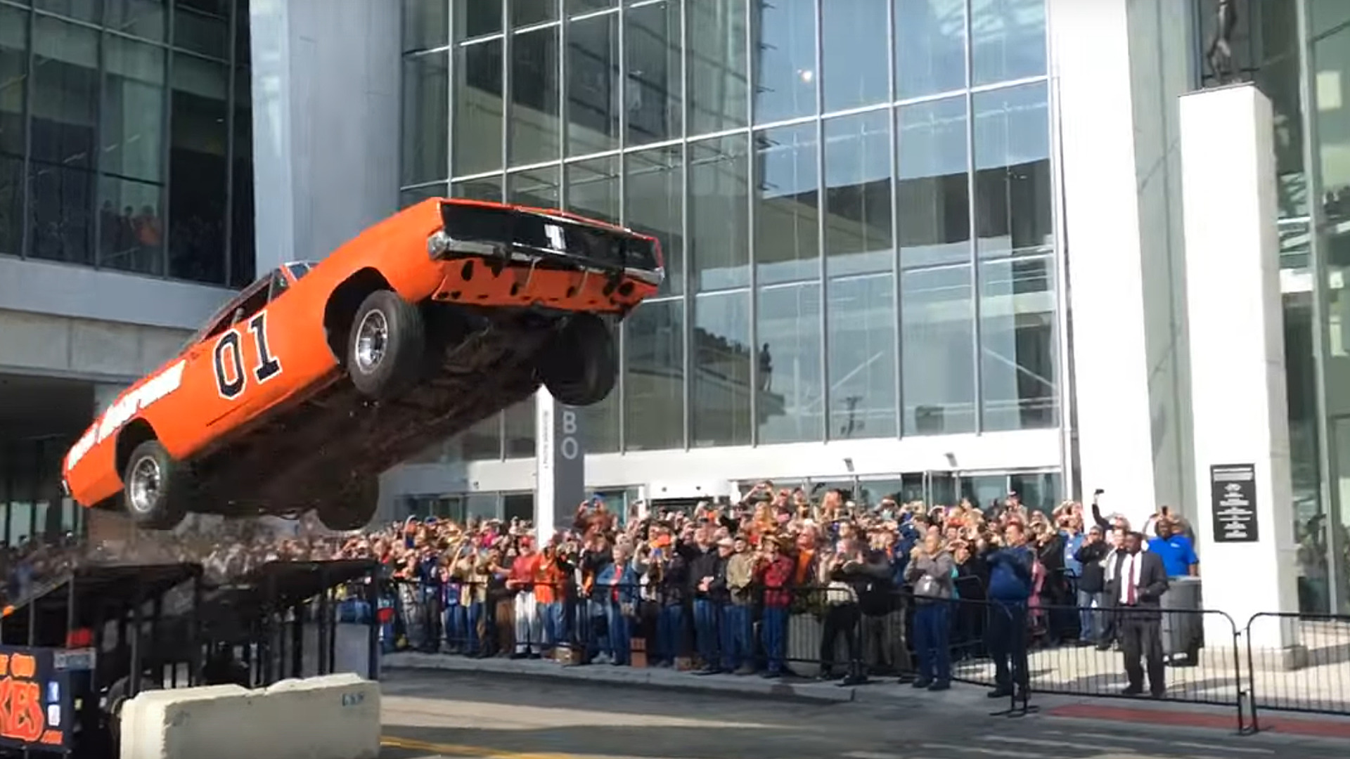 Wrecked Cars For Sale >> Big Surprise – General Lee Wrecked After Stunt Jump On ...