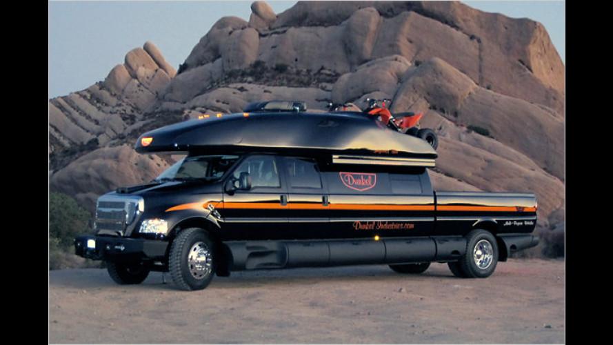 Finsterer Offroad-Monster-Camper: Dunkel Truck 4x4