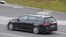 2017 VW Golf R facelift spy photo