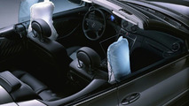Mercedes-Benz: 25 Years of the Airbag