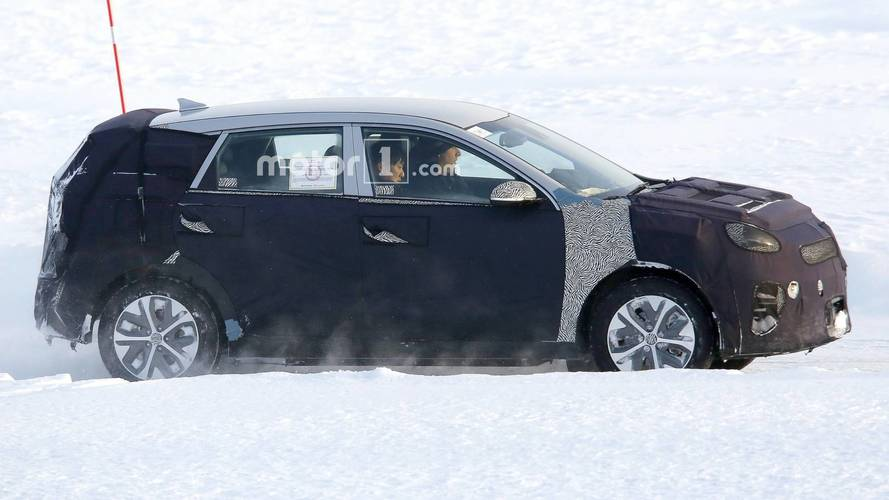 Kia Niro EV Spied Testing In Heavy Winter Conditions