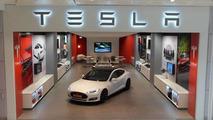 Tesla Motors store in Westfield, London 13.11.2013