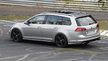 Volkswagen Golf R Variant spy photo
