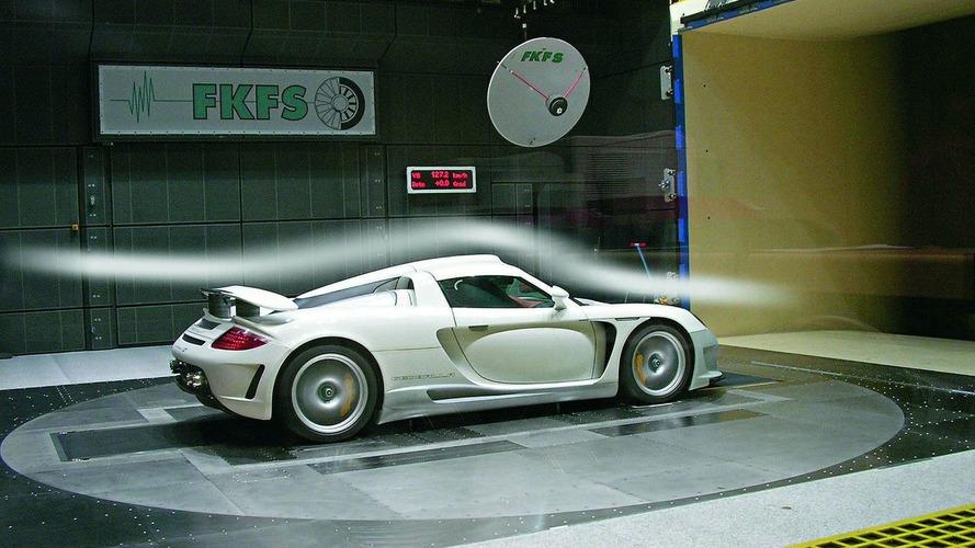 1,000th Porsche Carrera GT goes to customer in Oman