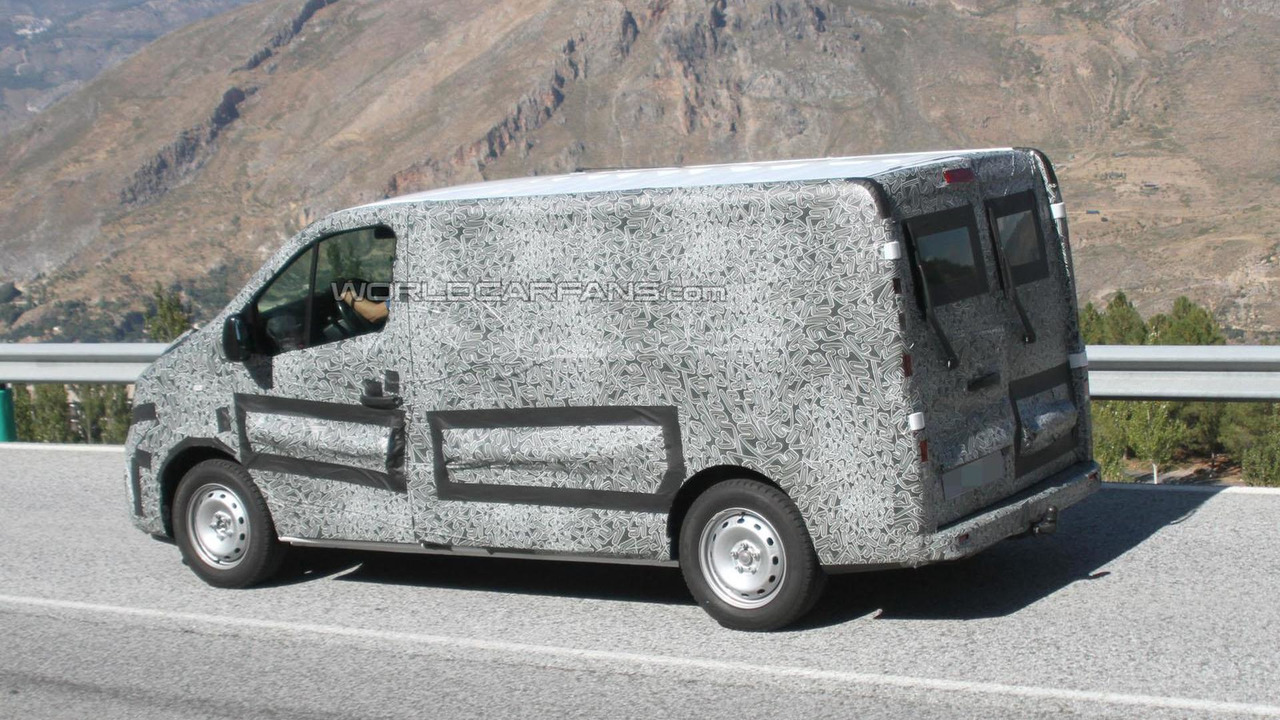 2015 Renault Trafic spy photo 17.9.2013