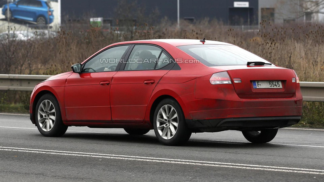2015 Skoda Superb spy photo