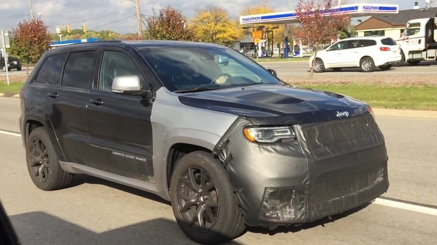 Jeep Grand Cherokee Trackhawk filmed up close in Detroit