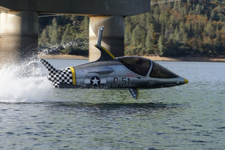 Watch this Porpoise-Like Personal Submarine Dive and Fly Above the Water