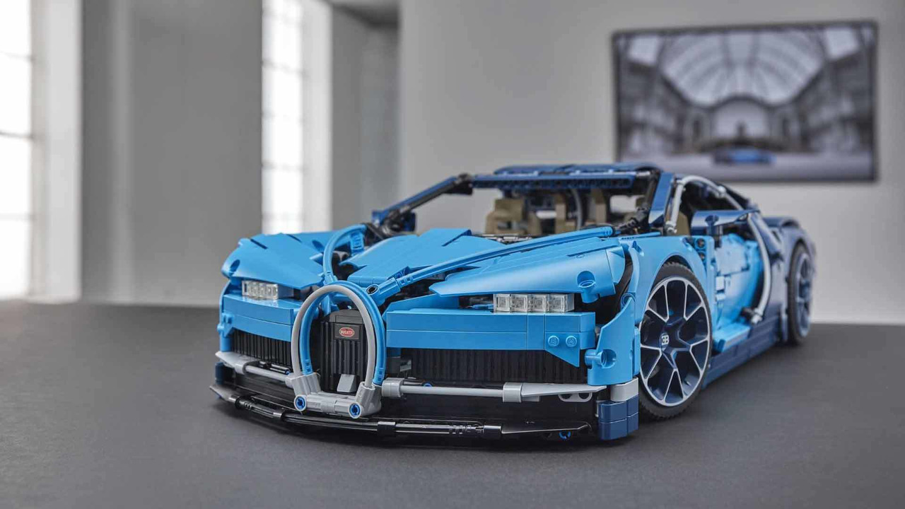 lego bugatti chiron una bellezza in pezzi motor1. Black Bedroom Furniture Sets. Home Design Ideas