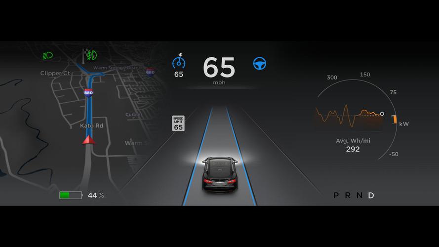 Tesla, Autopilot'a güncelleme getiriyor