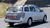2017 Dacia Logan MCV facelift spy photo