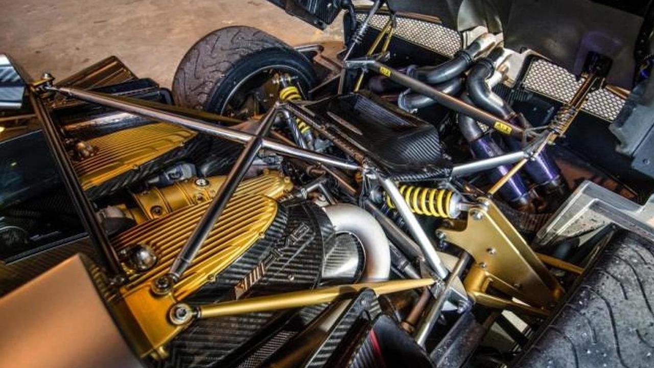 Pagani huayra engine pagani huayra 2012 pictures information amp specs vanachro Image collections