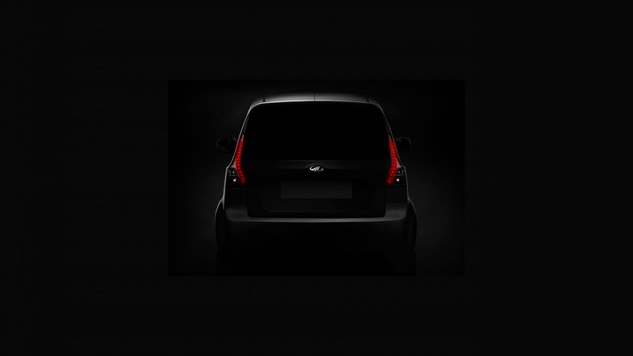 Mahindra e20Plus elektrikli dört kapılı modelini tanıttı