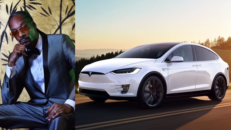 Snoop Dogg Picks Up His Tesla Model X