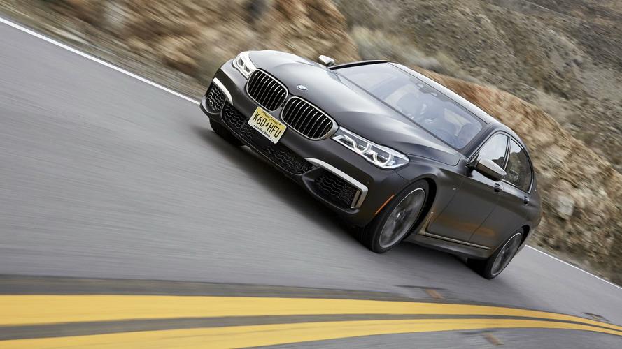 Ismét olajszivárgás miatt hívják vissza a legerősebb 7-es BMW-t