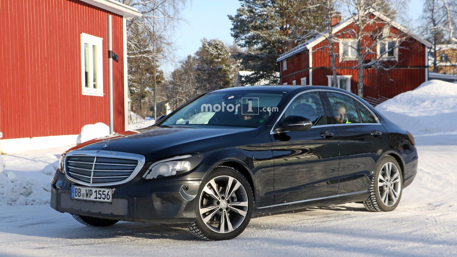 Facelifted 2018 Mercedes C-Class spotted again