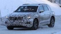 2018 Volkswagen Touareg spy photos