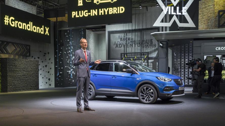 A Grandland X személyében megérkezett az Opel első konnektoros hibridje