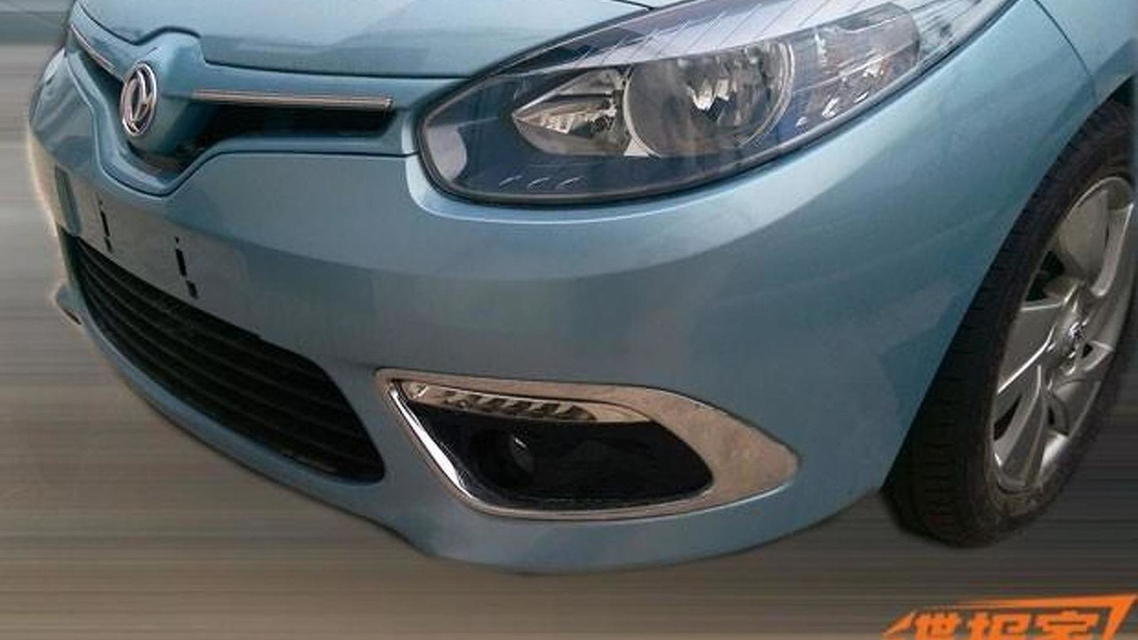 China-spec Renault Fluence Z.E. spy photo
