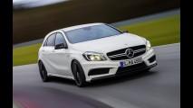 Vídeo: Mercedes-Benz Classe A 45 AMG nas mãos de Lewis Hamilton