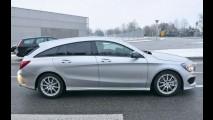 Flagra: Mercedes CLA Shooting Brake perde a vergonha e aparece sem disfarces