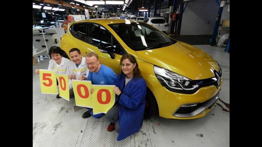 Renault comemora produção de 5 mil unidades do apimentado Clio IV RS